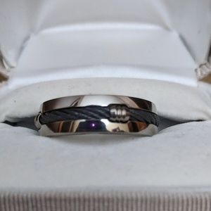 Mens titanium never worn wedding ring